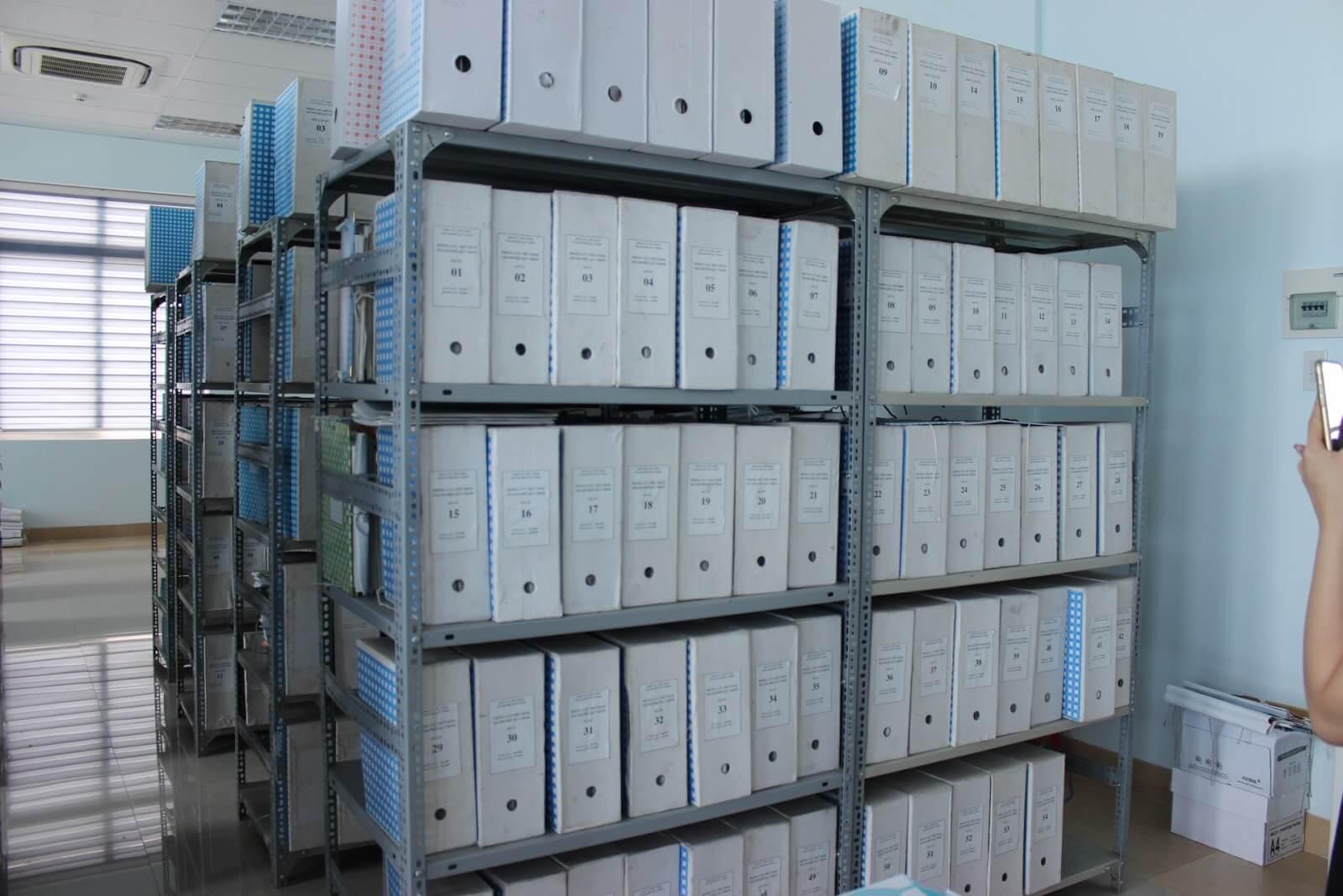 Kệ sắt đựng hồ sơ văn phòng