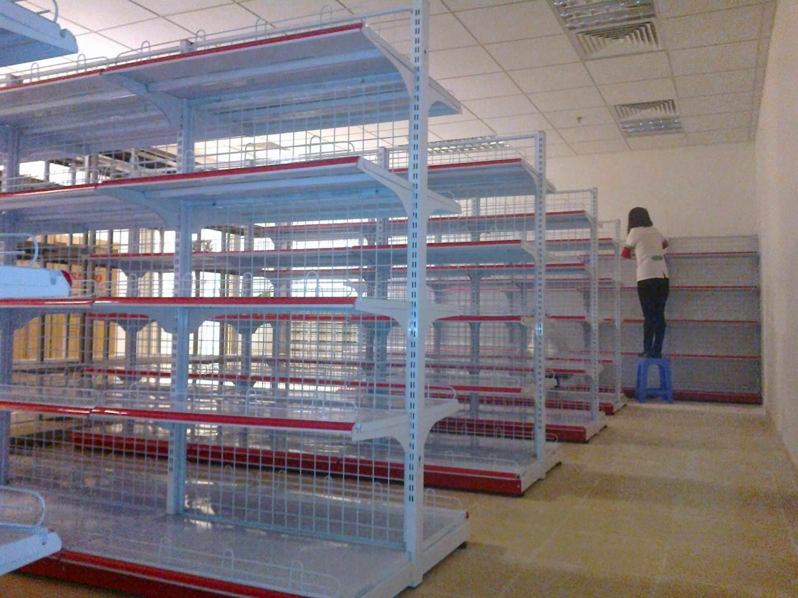 Sản xuất kệ chứa hàng